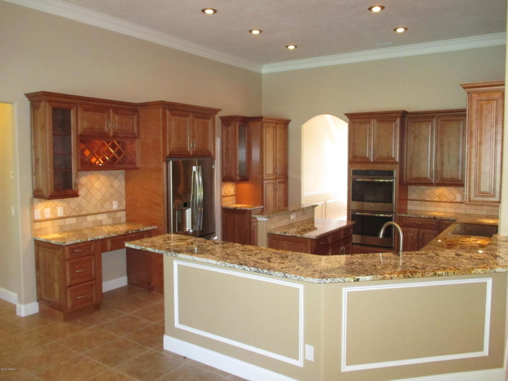 chef's kitchen in Ormond Beach home for sale